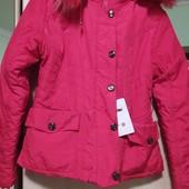 Красивая, качественная курточка еврозима. Мех натуральный снимается. 158-164