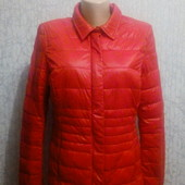 Куртка деми красного цвета