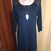 Черное платье со вставками из эко кожи 14 размера.