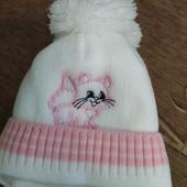 Дуже гарна шапочка для дівчинки