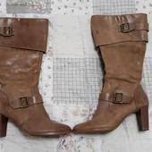 Акуратные кожаные сапоги 38р ботинки
