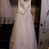 свадебное платье на 44-46р,+фата,веточка