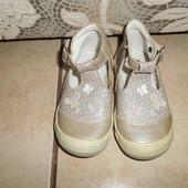 Кожаные туфли в хорошем состоянии, стелька - 14см.