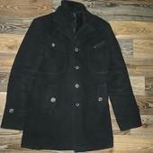 Фирменное мужское пальто, р.48 в хорошем состоянии