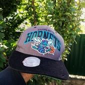 Чоловіча кепка баскетбольної команди Charlotte Hornets