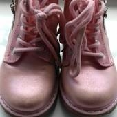 Ботинки деми для девочки, в отличном состоянии, р.23, стелька 14см