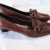 прекрасные кожаные туфли 37р стельки 25 см
