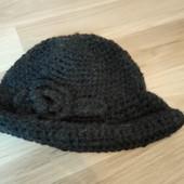 В'язана тепла шапка в хорошому стані