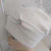 Красивая нарядная тёплая шапочка!