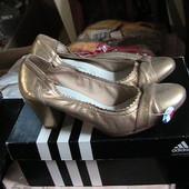 туфли новые кожаные золотые 39р Франция полномерные