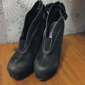 Туфли на высоком каблуке, для прекрастной девушки☺️