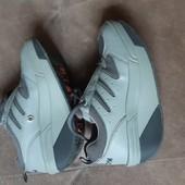 Новые! Кожаные кроссовки