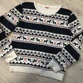 Красивый тёплый свитерок, худи на флисе.