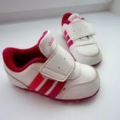 Кроссовочки на малышку Адидас. Оригинал. Стелька 12 см