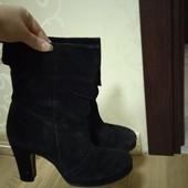 Демисезонные замшевые ботинки 37размер 24см