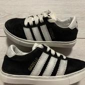 Отличные кроссовки Adidas оригинал 25 размер стелька 16 см