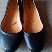 Классные , мягенькие ,комфортные √√ туфельки без каблучка√√в состоянии новых.Ariane.