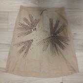 Фирменная красивая льняная юбка расшитая пайетками в отличном состоянии р.16