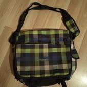 Фірменна сумка для ноутбука, хороший стан