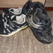 Лот обуви фирменные и обычные.две пары