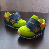 Кроссовки для малыша.Стелька 13,5 см