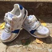 Шикарные модные кроссовки р36 для девочки, в серебре