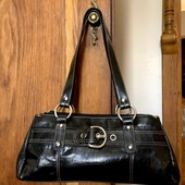 Фирменная сумка.натуральная кожа.в отл.состоянии