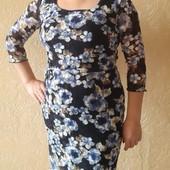 платье кружево сетка цветочной расцветки размер М в отличном состоянии Helena Hart