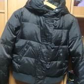 Куртка. холодная весна, 80%пух+20%перо,7-8 лет 128 см, United Colors of the Benetton. cост. хорошее
