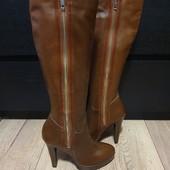 Високі чоботи із натуральної шкіри, утеплені флісом 36 рр і устілка 23,5 см з носиком. Новинка.