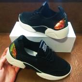 Суперские кроссовки с напылением и пайетками хамелионы.38-23.7 см