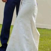 Свадебное платье. Не венчаное.Можно наложенным платежом ( по предоплате 100грн)