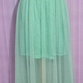 Очень красивое нарядное платье в отличнейшем состоянии!! Подойдет на праздник или выпускной!!!