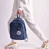 стильный рюкзак вместительный