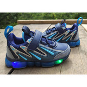 Классные светящиеся кроссовки для мальчика W.Niko, размер на выбор