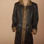 Пальто демисезонное, плащ под кожу 44,46 размер. Новый, сток.