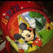 Плюшевая детская сумочка. 2 отделения на молнии. Ремешок крепкий и регулируется.