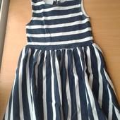 Красивое платье,состояние хорошее,р.110-116 на 5-6 лет,смотрите замеры