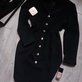 Платье пиджак с золотыми пуговицами ткань с серебристой ниткой полосы очень стильный