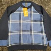 Тоненький свитер для мальчика.