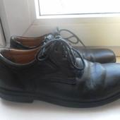 Кожаные туфли Geox состояние очень хорошее