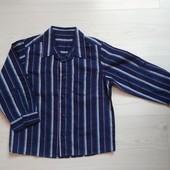 Рубашка на 3-4 года , рукава подкатываются в очень хорошем состоянии