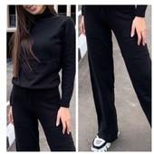 Повседневные ,вязаные тонкие штанишки, машинная вязка в одном оверсайз размере 42-46. В лоте штаны.