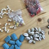 Для творчества;натуральные:бирюза,жемчуг,кораллы,ракушки,янтарь и другое