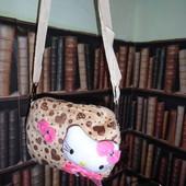 Мягкая плюшевая сумочка для девочки Hello Kitty с сердечками, бежевая
