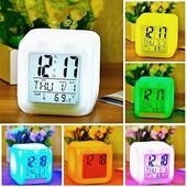 Светящиеся часы-хамелеон с будильником и термометром