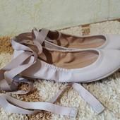 Стильные балетки с завязками на щиколотке пудрового цвета, размер 37-38 ( по стельке 24 см)