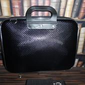 Черная сумка для нетбука