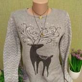 Оригинальный свитерок с красивым принтом