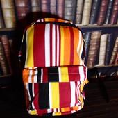 Легкий вместительный городской рюкзак, яркие полоски, нюанс
